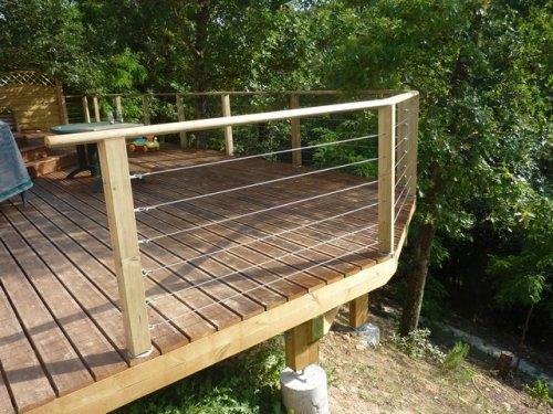 terrasse bois suspendue ambiance nature. Black Bedroom Furniture Sets. Home Design Ideas
